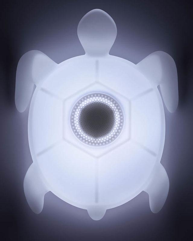 Outdoor and waterproof wireless luminous speaker BTLSTURTLE BIGBEN – Image